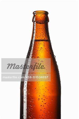 Flasche Bier mit Wassertropfen