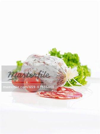 Salami, tomates cerises et lollo bionda