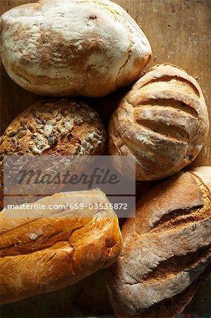 Verschiedene Brote Artisan