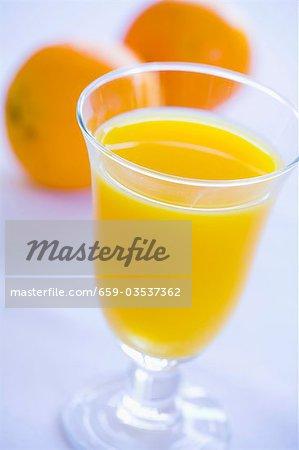 Ein Glas Orangensaft