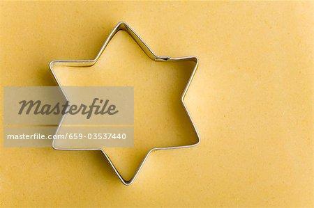 Herausschneiden eines Sterns (Nahaufnahme)