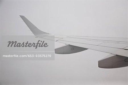 Detail des Flügels eines Flugzeugs