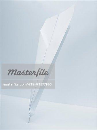 Papierflieger mit gebogener Lötspitze