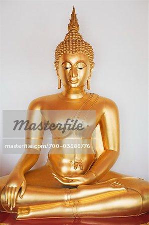 Or Bouddha assis au Wat Plap Pla Chai, Chinatown, Bangkok, Thaïlande
