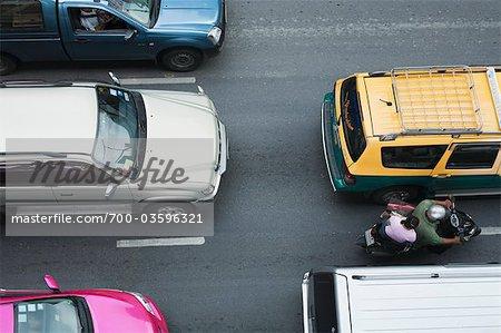 Vue aérienne de voitures et de motos, Bangkok, Thaïlande