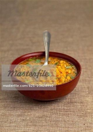 Soupe aux lentilles et coriandre orange