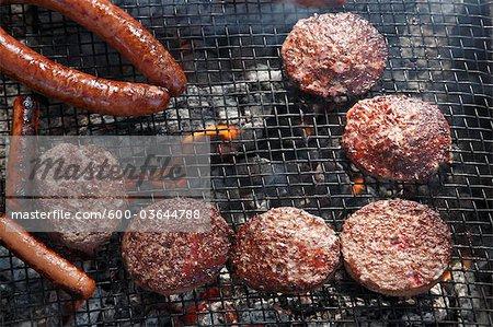 Nahaufnahme von Burger und Hotdogs Grillen, Houston, Texas, USA