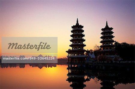 Taiwan,Kaohsiung,Lotus Lake,Dragon and Tiger Pagodas