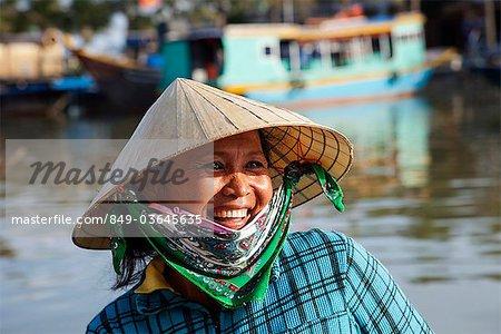 Vietnam, Hoi An, Portrait de femme