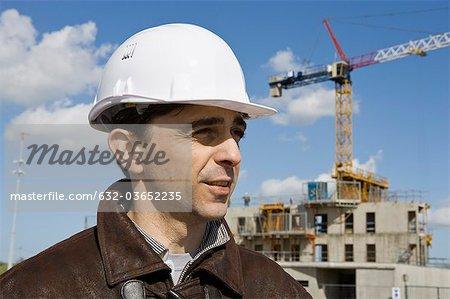 Website Vorarbeiter in Schutzhelm, Porträt