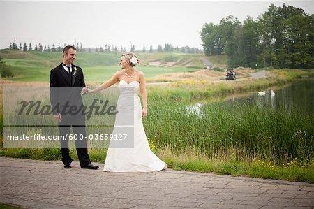Porträt von Braut und Bräutigam, Eagles Nest Golf Club, Vaughan, Ontario, Kanada