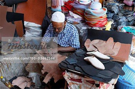 Fabricant de chaussures, Marrakech, Maroc
