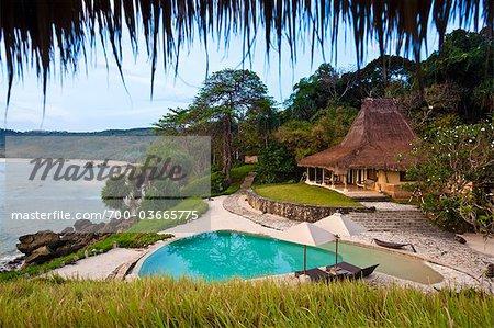Piscine et Villa Nihiwatu Resort, Sumba, petites îles de la sonde, Indonésie