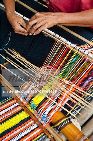 Tissage tissu Ikat, Sumba (Indonésie)