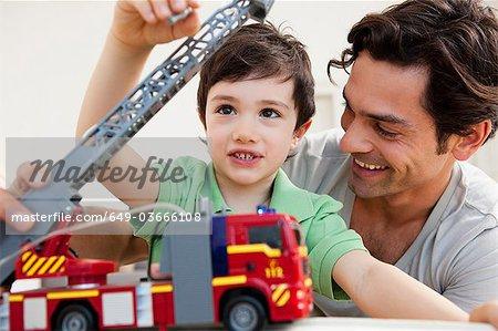 père et fils jouer