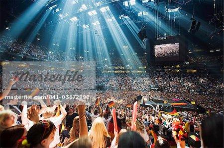 Welt-Cup-Fußball-Fans bei public viewing in der Lanxess Arena, Köln, Rheinland Nordrhein-Westfalen, Europa