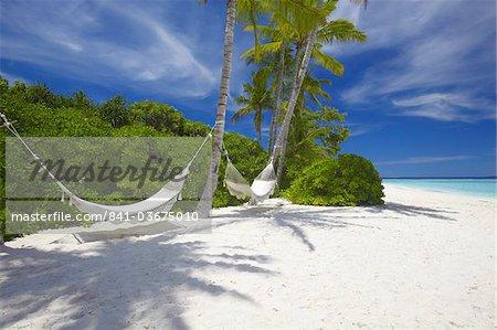 Hängematte am tropischen Strand von leer, Malediven, Indischer Ozean, Asien