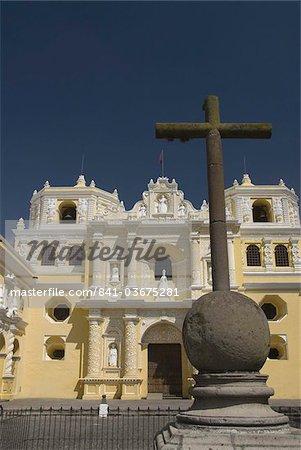Eglise et couvent de Nuestra Señora de la Merced, patrimoine mondial UNESCO, Antigua, Guatemala, Amérique centrale