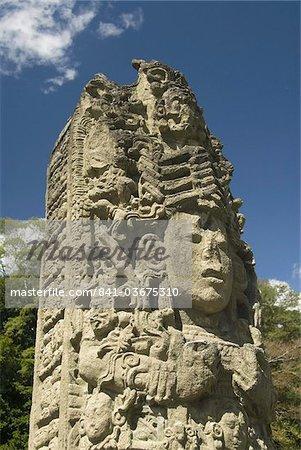A la stèle datant de 731 AD, parc archéologique de Copan, patrimoine mondial UNESCO, Copan, au Honduras, l'Amérique centrale