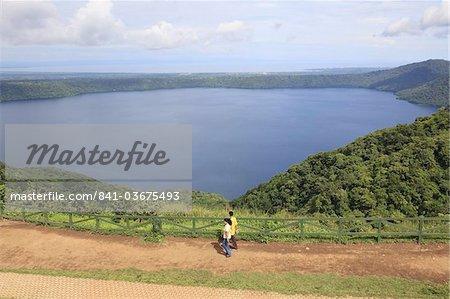Laguna de Apoyo, a 200 meter deep volcanic crater lake set in a nature reserve, Catarina, Nicaragua, Central America