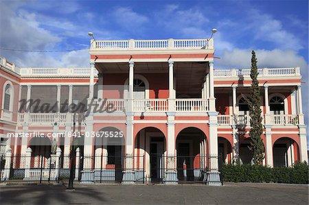 Palacio Episcopal (Bishop's Palace), Parque Colon, Central Park (Parque Central), Granada, Nicaragua, Central America