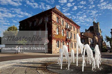 Les petites ville de Luxeuil-les-Bains, Franche Comte, France, Europe