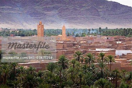 Oasis de palmiers dattiers et montagne Jorf, Figuig, province de Figuig, région de l'Oriental, Maroc, Afrique du Nord, Afrique