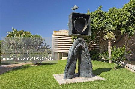 Personnage Gothique, Oiseau Eclair sculpture datée de 1976 dans le jardin du Fundacio Pilar I Joan Miro, Cala Major, Majorque, îles Baléares, Espagne, Méditerranée, Europe