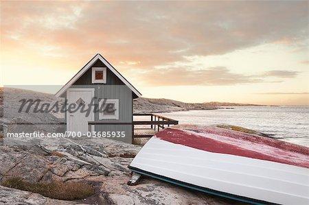 Hütte auf Küstenlinie auf Surise, Bohuslän, Vastra Gotaland County Gotaland, Schweden