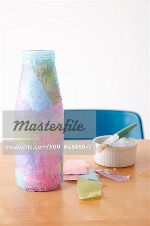 Bouteille couverte de papier de soie