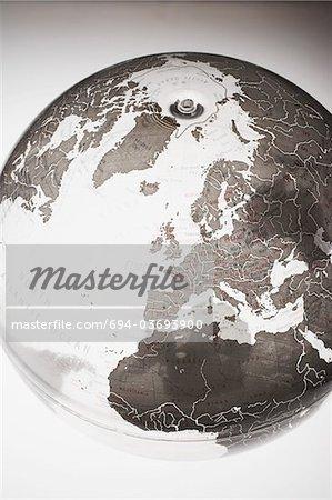 Globe gonflable montrant l'hémisphère Nord