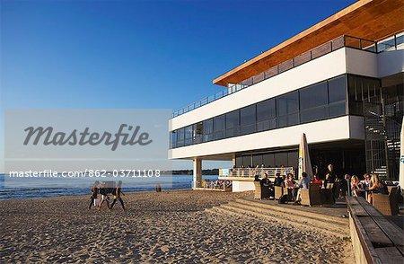 Estonie, Tallinn, Restaurant sur la plage de Pirita