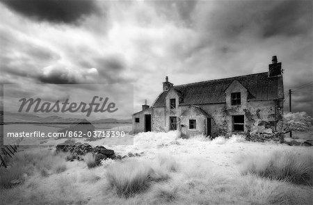 Image infrarouge d'une ferme abandonnée près de Arivruach, Isle of Lewis, Hébrides, Écosse, RU