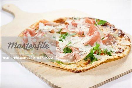 Pizza à croûte mince