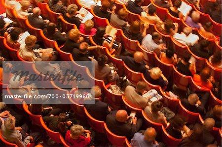 Publikum an der Oper, Malta
