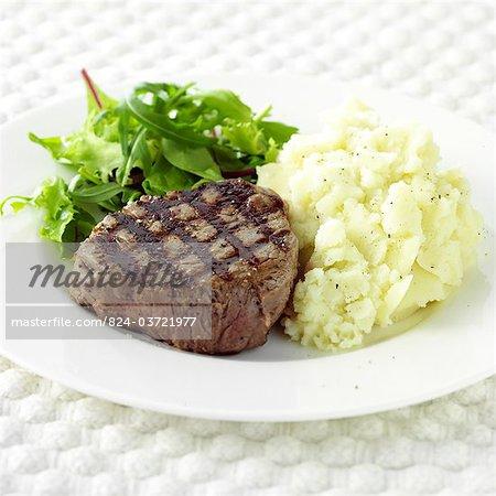Filet de bœuf et purée de pomme de terre