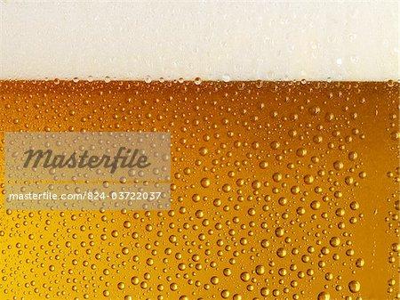 Bière en verre, de tête et de condensation