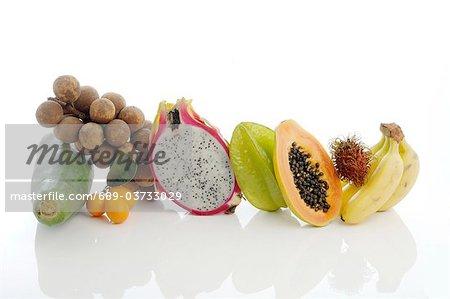 Assortiment de fruits tropicaux