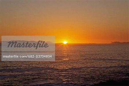 Fin d'après midi le soleil reflétant dans la mer, Kogel Bay, Western Cape Province, Afrique du Sud