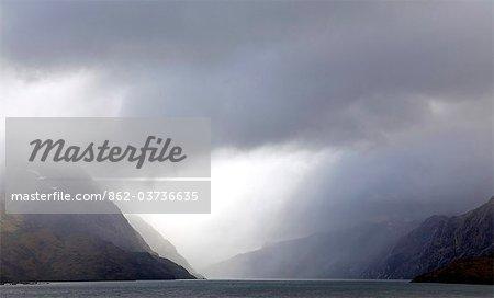 Chili, Patagonie, détroit de Magellan. Les fjords et les montagnes du détroit de Magellan du Chili.