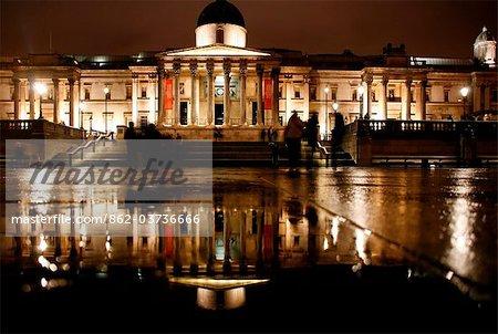 Angleterre, Londres. Galerie nationale de Londres après la pluie.