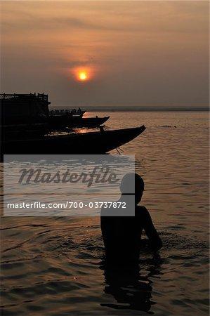 Ritual Bathing, River Ganges, Varanasi, Varanasi District, Uttar Pradesh, India