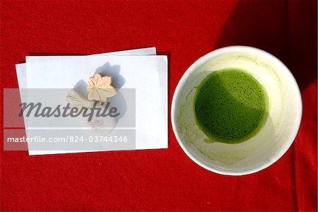 Matcha Tee und süßen Teezeremonie bei Kamigamo-Schrein in Kyoto, Japan