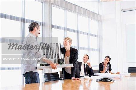 Blick auf Modellbau Geschäftsleute