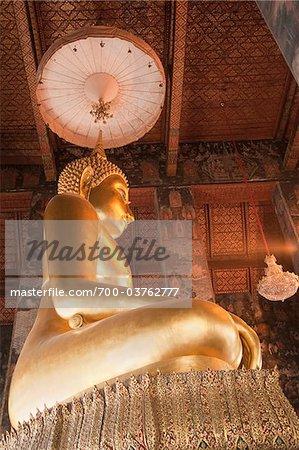 Statue de Bouddha or, Wat Sutat, Bangkok, Thaïlande