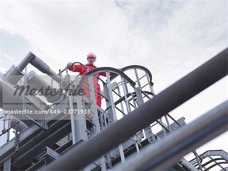 Arbeiter auf unterirdische Lagerung Gaswerk