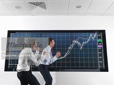 Erfolgreiche Geschäftsleute mit graph