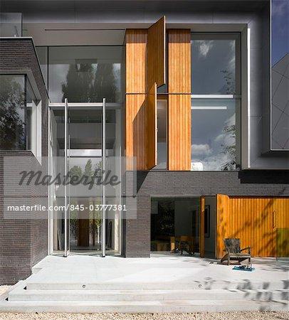 Devant De Maison Moderne De Londres Avec Porte DEntre Double