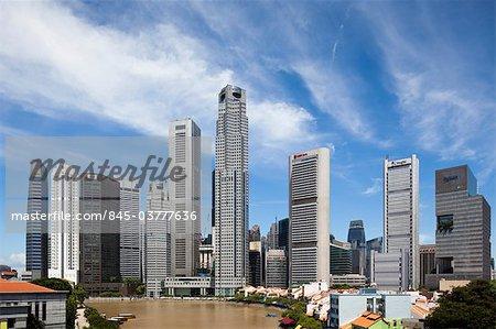 (United Overseas Bank) de UOB Plaza par Kenzo Tange et architectes 61. Construit dans les années 1990, les deux tours se dressent entre Boat Quay et Raffles Place à Singapour. Architectes : Kenzo Tange et architectes 61