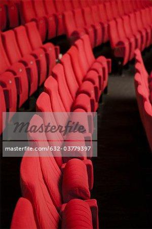 Sièges de théâtre vide
